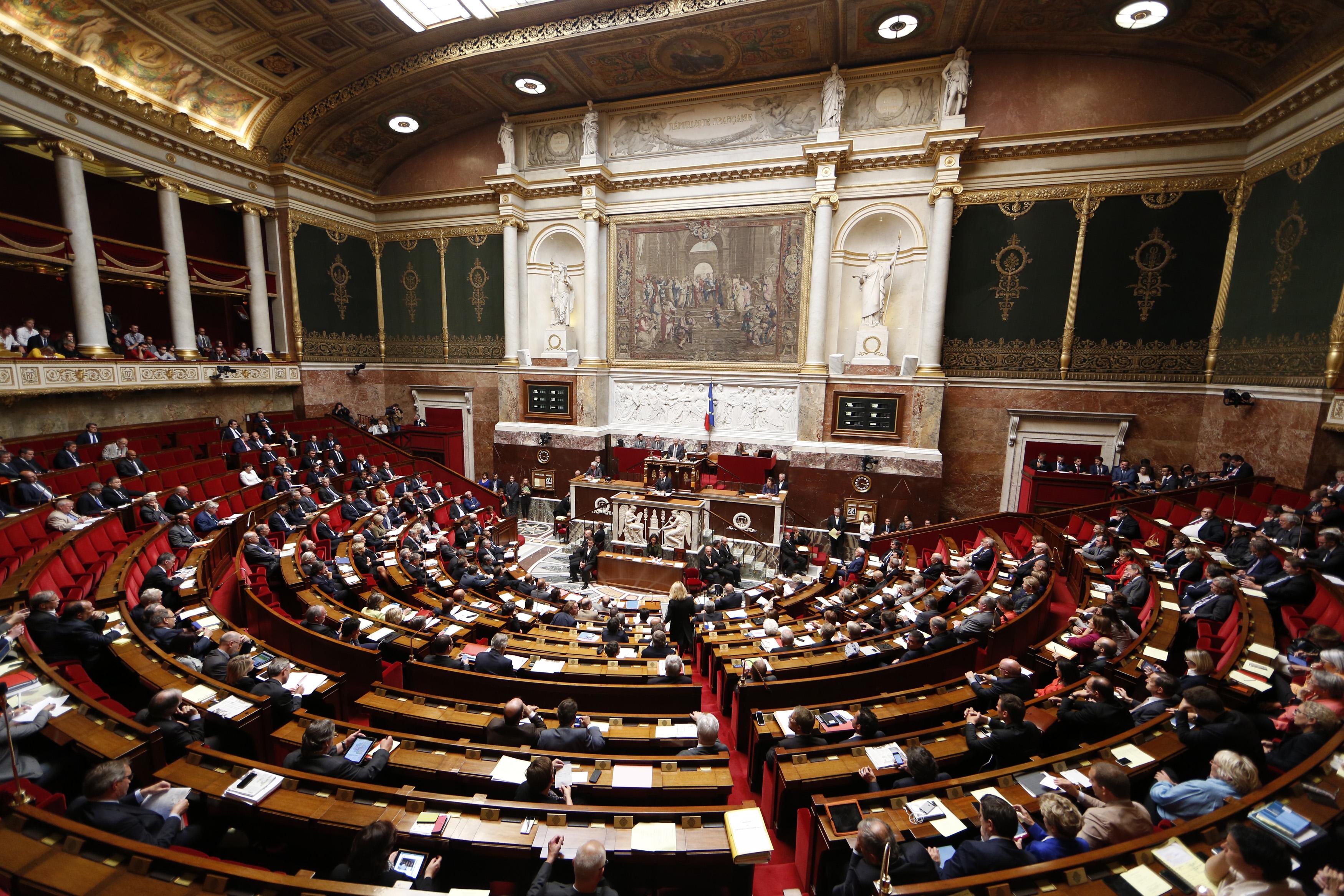 budget 2015 le volet recettes vote a une courte majorite par l 39 assemblee nationale