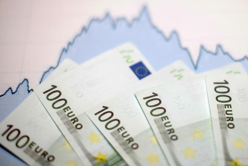 L'euro accroche les 1,24$ après un indice Ifo meilleur que prévu