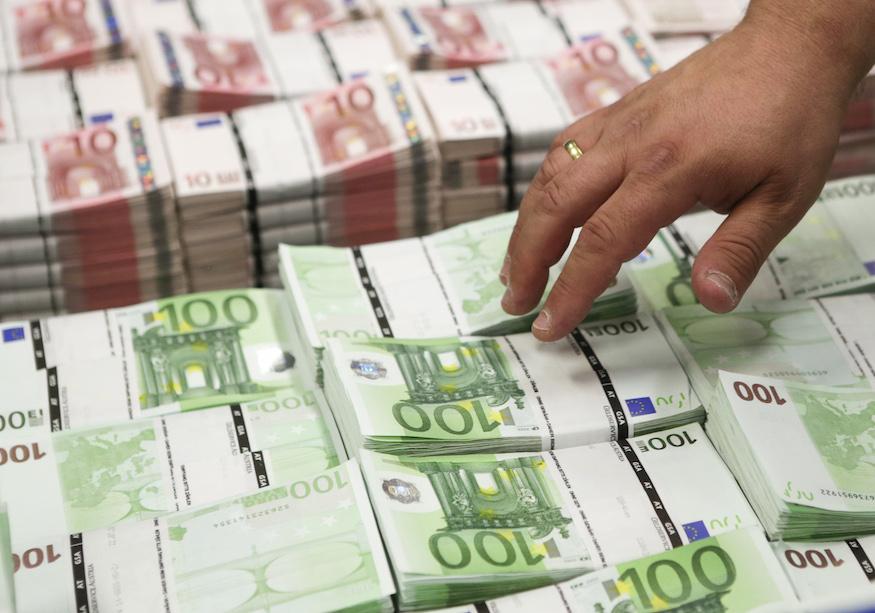 Devenir richeen investissant : un mode d'emploi clair et pratique