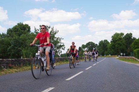 La Loire à vélo, rivière de la Divatte, transport, moteur économique, territoires, régions,
