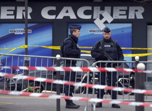 Les questions se multiplient sur les failles du renseignement apres les attentats