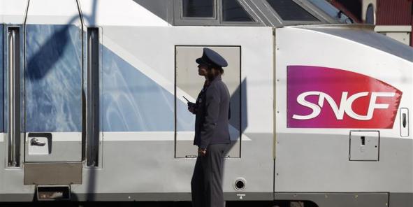 """Le président de la SNCF Guillaume Pépy a déclaré ce lundi qu'il y aura """"un résultat exceptionnel négatif qui viendra en déduction du résultat de l'année"""", a-t-il ajouté, faisant état d'un """"résultat récurrent qui sera positif"""", mais plongera dans le rouge du fait de cette dépréciation du parc TGV."""