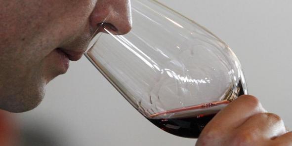 """""""Boire du vin est une forme de revalorisation sociale"""", explique le fondateur de Patriwine. En effet pour eux, """"les grands crus du Bordelais, ce n'est plus du vin, c'est du luxe""""."""