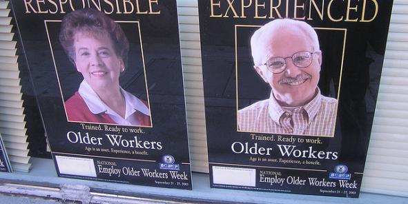 La hausse prévisible du nombre des seniors âgés de plus de 65 ans au travail obligera les entreprises à anticiper et à investir pour offrir plus de flexibilité et de confort au travail, ainsi que pour développer le télétravail et la formation.