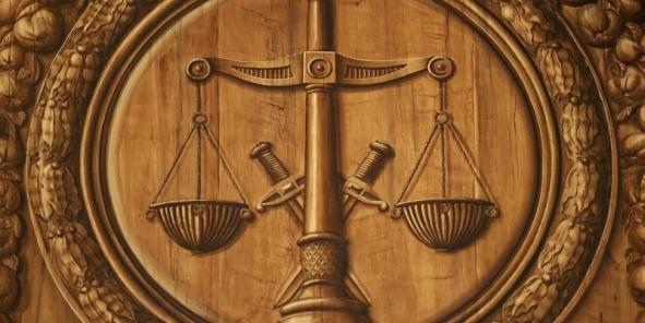 La loi attribue souvent un énorme pouvoir d'interprétation aux conseils des prud'hommes, qui pourtant ne sont pas formés de juges professionnels, observe le professeur Jean-Emmanuel Ray.