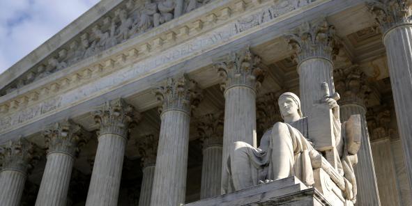 Le procès, se tenant au civil, est très surveillé par les banques car il pourrait constituer un précédent. Le Crédit Agricole encourt notamment un procès similaire au plus tôt à l'automne 2014.