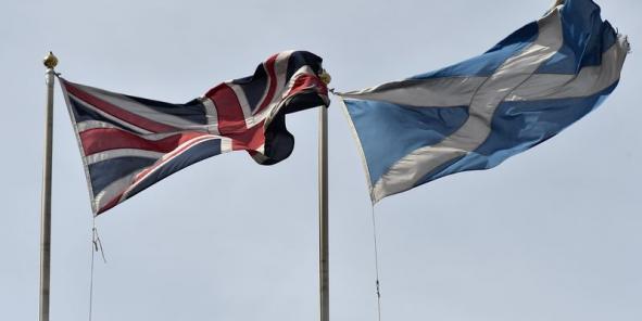 pourquoi les anglais  et les ecossais  votent