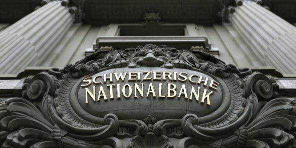 La banque nationale suisse (BNS) a décidé d'abolir le seuil de 1,2 franc suisse pour un euro, déclenchant une envolée de la monnaie de la Confédération