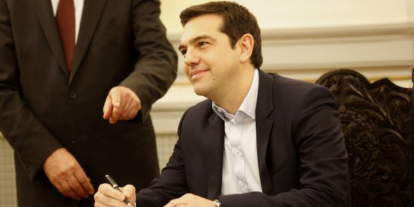 Le premier ministre grec Alexis Tsipras tente de trouver des ressources.