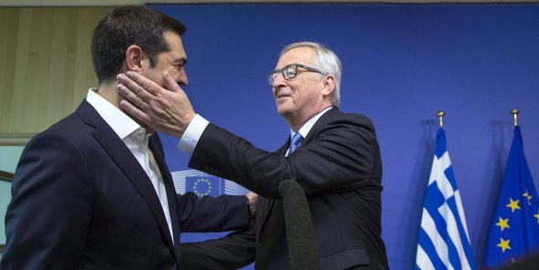 Pas d'accord à l'Eurogroupe ce lundi, malgré des concessions grecques. (Photo: Jean-Claude Juncker accueille Alexis Tsipras à Bruxelles le 22 juin 2015)