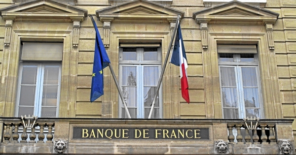 monde - Le Collectif Devenons Citoyens interviewe O. Delamarche Banque-de-france
