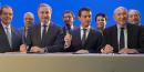 (De gauche à droite, au premier rang) Jean-Luc Moudenc, président de Toulouse métropole et président de France Urbaine, Manuel Valls, Premier ministre et Gérard Collomb, maire de Lyon