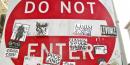 Panneau don't enter. Interdit. oh dear! : do not enter, san francisco (2012), par torbakhopper. Via Flickr CC License by.