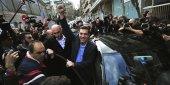 Alexis Tsipras, nouveau Premier ministre grec et leader du parti Syriza célèbre sa victoire devant des journalistes
