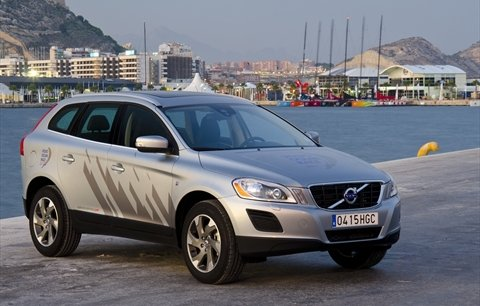 volvo xc60 le 4x4 su dois classe confort. Black Bedroom Furniture Sets. Home Design Ideas