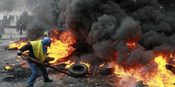 Les manifestations ont dégénéré mardi soir à Kiev, faisant trois morts.