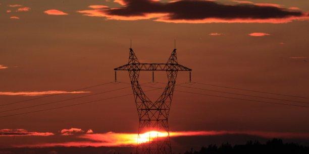Electricit l 39 espagne se plaint du protectionnisme fran ais for Haute tension mots fleches