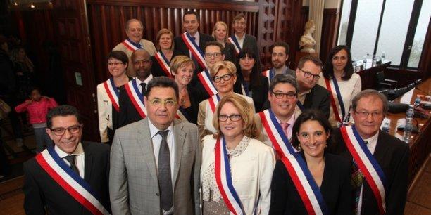 Jean-Paul Bret, entouré de son exécutif ©G.Michallet-Mairie de Villeurbanne