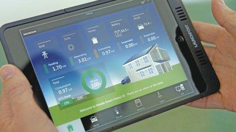 Avec la domotique 2.0, les objets du quotidien deviennent communicants, permettant de piloter à distance la fermeture des portes, la température, la lumière… / DR