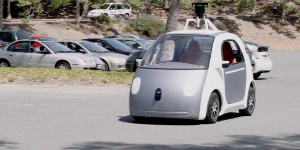 google fabrique d sormais lui m me ses voitures sans chauffeur. Black Bedroom Furniture Sets. Home Design Ideas