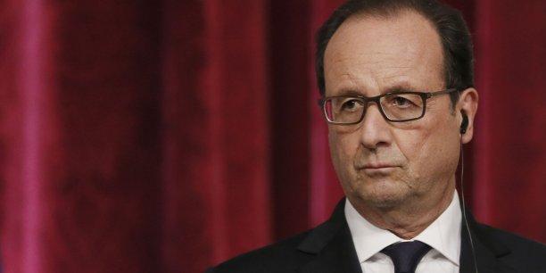 """""""Notre rôle doit être de maitriser les déficits pour éviter que nous puissions encore augmenter le niveau absolu de la dette même si elle se finance à des taux d'intérêts très bas."""", a assuré le président de la République."""