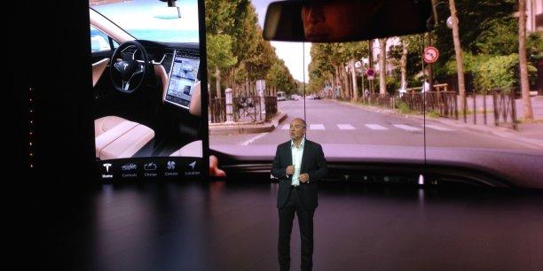 Stéphane Richard, le PDG d'Orange, est fan de la Tesla Model S, « un bijou de technologie. »