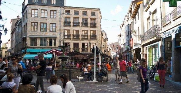 La pr carit stable lyon saint etienne et grenoble for Le miroir rue des martyrs