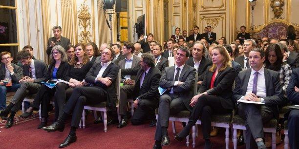 Les jeunes pousses investissent les salons dorés de la République (Manuel Valls, Axelle Lemaire, Thierry Mandon au 1er rang à droite, Xavier Niel au 2eme rang).