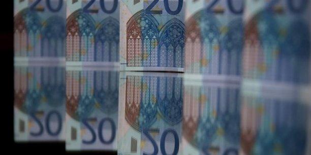 Au total, 1.578,9 milliards d'euros étaient déposés sur des contrats d'assurance-vie en France fin janvier 2016, contre 356,1 milliards d'euros d'encours du livret A et du LDD.