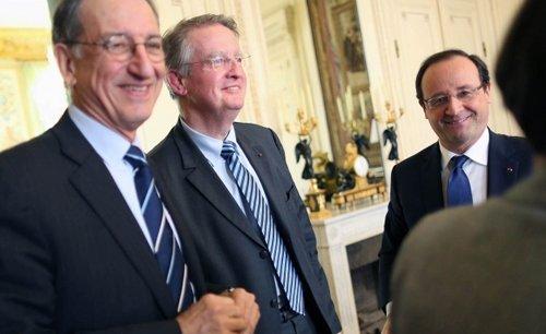 Bernard Lapasset, entre Denis Masseglia et François Hollande, est l'homme fort de la candidature de Paris pour 2024