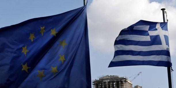"""Irlande et Portugal veulent que la Grèce """"suivent leur exemple"""""""