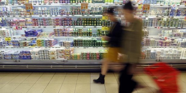 Fanny Reniou et Elisa Monnot se sont notamment intéressées à la question du suremballage pour les yaourts.