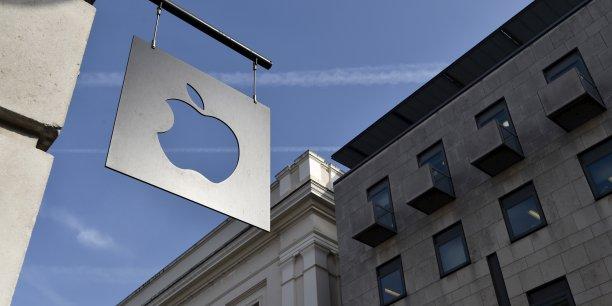 En Chine, deuxième marché d'Apple derrière les États-Unis, le chiffre d'affaires a bondi de 71% à 16,8 milliards de dollars (15,4 milliards d'euros).