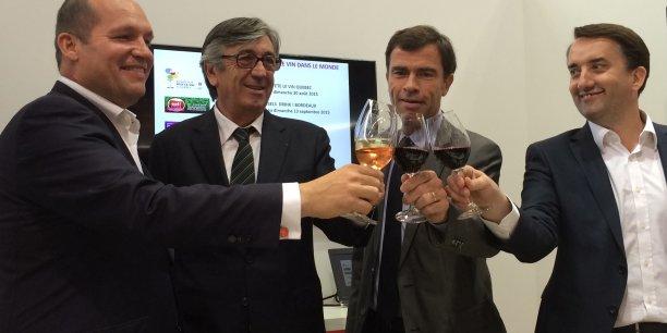 De gauche à droite : le commissaire belge d'Eat ! Brussels, Drink ! Bordeaux, Stephan Delaux (Ville de Bordeaux), Bernard Farges (CIVB) et Christophe Chateau (CIVB)
