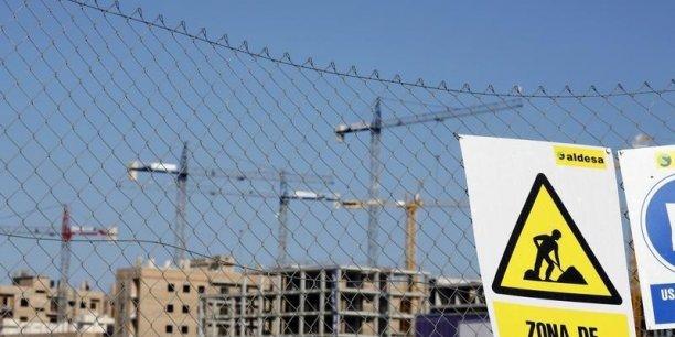 """En Espagne, le secteur de la construction n'a créé """"que 100.000"""" emplois ces derniers mois, alors qu'il en a détruit près de 2 millions pendant la crise."""
