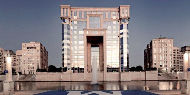 Si la région Languedoc-Roussillon est ratachée à Midi-Pyrénées (et que Toulouse prend la main), que va devenir l'Hôtel de région Montpellier ?