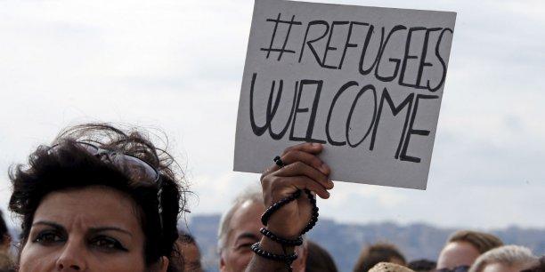 Les initiatives pour l'accueil des réfugiés syriens se multiplient à travers le monde.