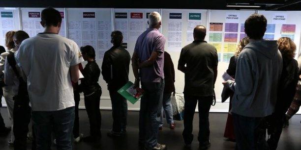 Seuls 43% des demandeurs d'emploi perçoivent une allocation d'assurance chômage et celle ci sélève à moins de  1.031 euros pour 50% d'entre eux.