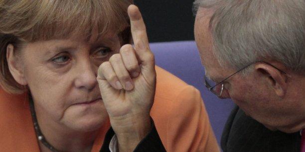 """La """"taxe réfugiés"""" de Wolfgang Schäuble pourrait bien être un piège pour Angela Merkel."""