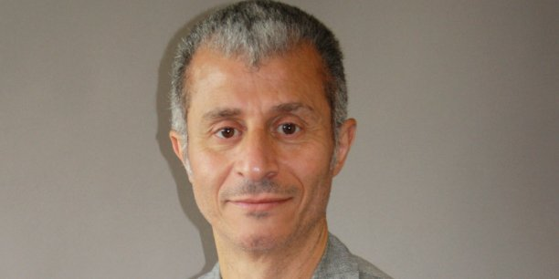 """""""L'Etat islamique est plutôt mal nommé: c'est un proto-Etat"""", estime Kader Abderrahim."""