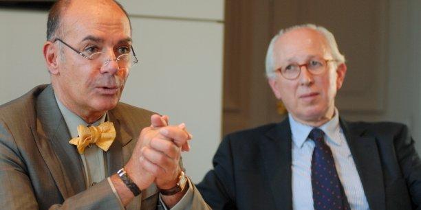 Jean-Claude Anaf et Claude Aguttes en 2008 lors de la vente d'Anaf Arts Auction, et la salle de ventes dans l'ancienne gare des Brotteaux.