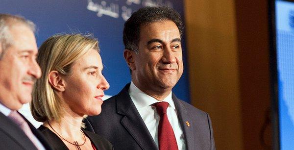 De gauche à droite : Nasser Judeh, ministre jordanien des Affaires étrangères, Federica Mogherini, vice-présidente de la Commission européenne et haute représentante de l'Union européenne pour les affaires étrangères et la politique de sécurité, Fathallah Sijilmassi, secrétaire général de l'Union pour la Méditerranée