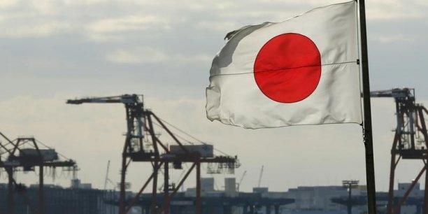"""Depuis une hausse de la TVA en avril 2014, le Japon alterne trimestres de modeste croissance et de contraction, malgré l'ambitieuse stratégie de relance """"abenomics""""."""