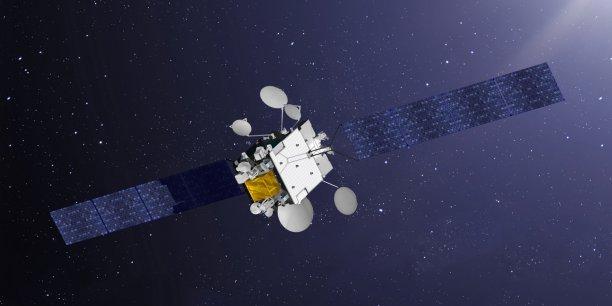 Les deux satellites du programme COMSAT NG (communications par satellites de nouvelle génération) remplaceront, à compter de 2021, les satellites Syracuse 3A et 3B