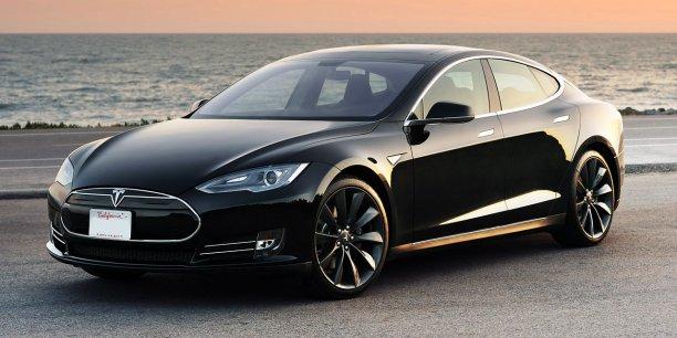 Tesla perdrait 35.000 dollars par voiture vendue d'après Bob Lutz.