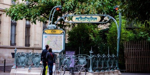 """Ces campagnes de promotion sont """"multicanales"""": invitations en France de professionnels du tourisme étrangers, promotion ciblée en direction de certains pays, de blogueurs et de relais d'opinions, ou messages sur le portail du tourisme France.fr ainsi que sur des sites étrangers."""