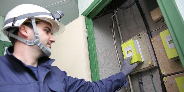 Installation d'un compteur Linky à Toulouse.