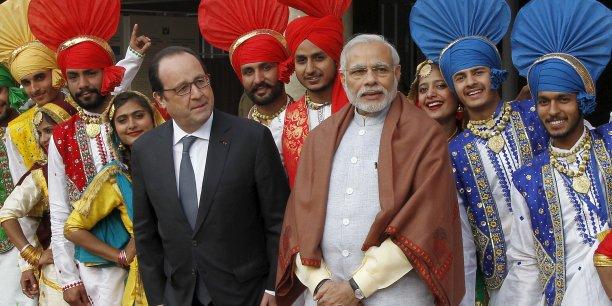 """""""Le contrat commercial ne peut venir qu'après l'accord intergouvernemental (..) qui sera discuté en Inde"""", a précisé François Hollande."""