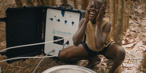 Le dispositif SunWaterLife dans un village de Côte d'Ivoire