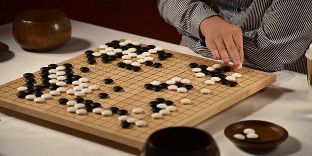 AlphaGo, le programme informatique de Google DeepMind, a battu en octobre dernier, à Londres, le champion d'Europe du jeu de go, Fan Hui.
